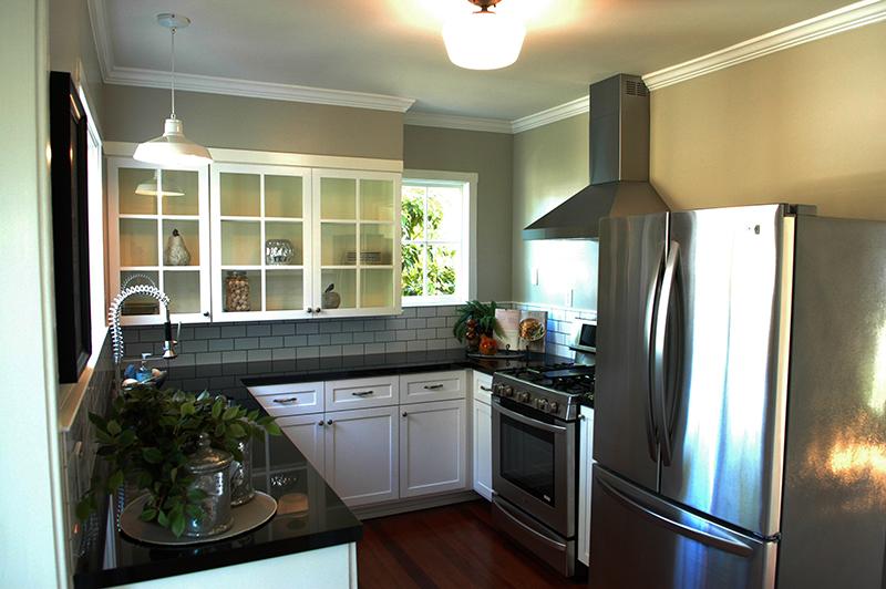 silver-kitchen